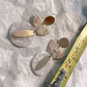 Gold white and tan lucite/acrylic circle earrings